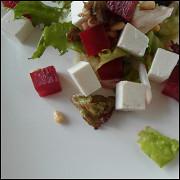 Салат с рассольным сыром и свеклой