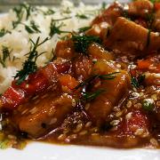 Индейка с овощами, кунжутом и соусом терияки