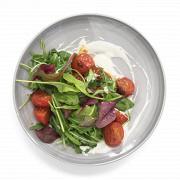 Салат из обжаренных помидоров с йогуртом