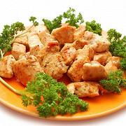 Золотистая жареная курица по-деревенски со специями