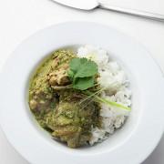 Зеленый карри с курицей и рисом