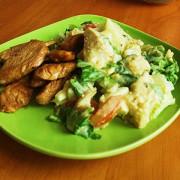 Салат «Цезарь» классический с курицей и горчичной заправкой