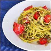 Спагетти с помидорами черри и ароматным маслом