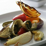 Теплый салат из запеченных овощей