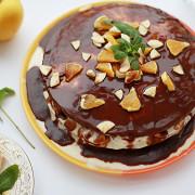 Торт с бананами, орехами и шоколадом