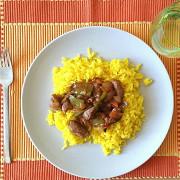 Свинина в кисло-сладком соусе с ананасами и рисом