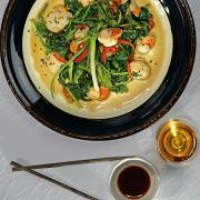 Морские гребешки с овощами