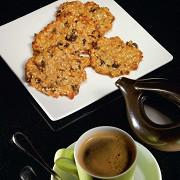 Овсяное печенье с изюмом и кунжутом
