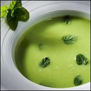 Суп-пюре из брокколи и шпината со сливками и сыром по-итальянски