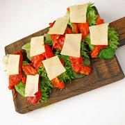Бутерброд с творожным сыром и печеным перцем