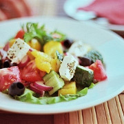 Классический греческий салат (Horiatiki)