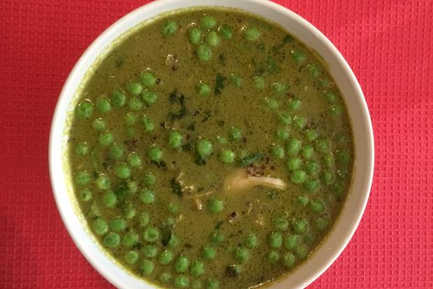 Перуанский куриный суп с кинзой и киноа (Aguadito  de Pollo)