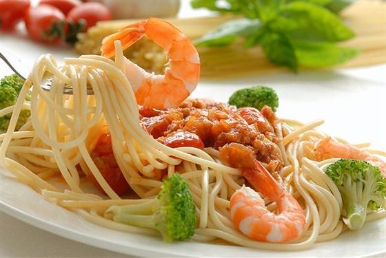 Лапша с морепродуктами и шафраном