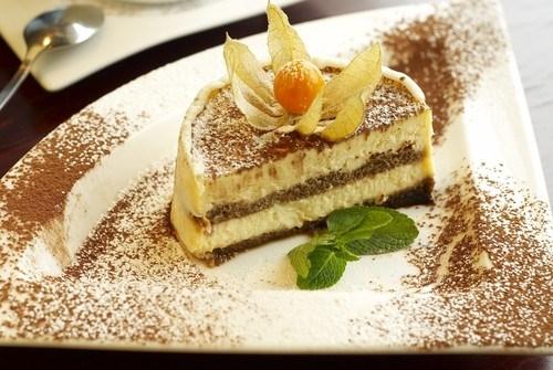 Десерт  «Тирамису» с зеленым чаем и мятой