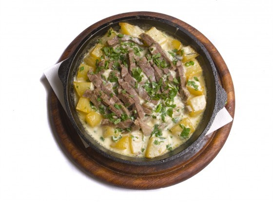 Жаркое из свинины и картофеля