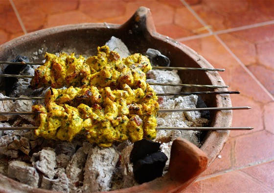 Куриные шашлыки в йогуртовом маринаде с карри