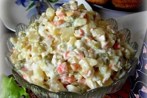 Салат из крабовых палочек с картофелем и морковью