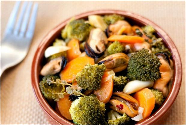 Мидии с овощами в эскабече