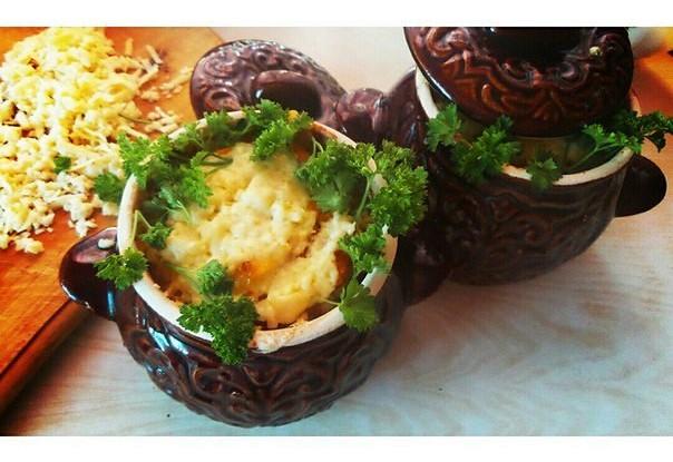Курица с картофелем в горшочке