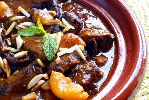 Тажин из баранины с черносливом и тыквой