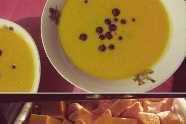Крем-суп из печеной тыквы с клюквой