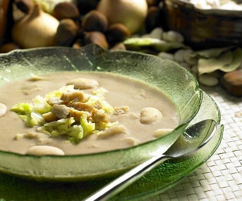 Овощной суп с каштанами и грибами