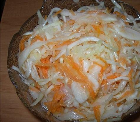 Капуста, маринованная с морковью