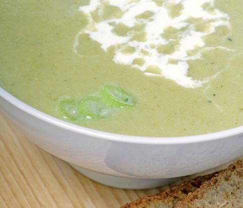 Суп-пюре из лука-порея с куриными потрохами