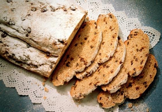 Быстрый хлеб с инжиром и фундуком