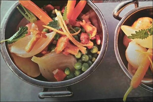 Овощное рагу по-лейпцигски с лимонной мелиссой