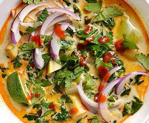 Тайский овощной суп с карри
