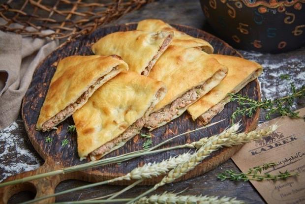 Грузинский мясной пирог