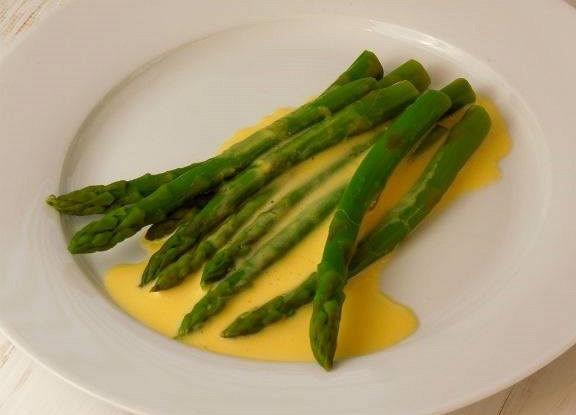 Оливковый соус к овощам на основе голландеза