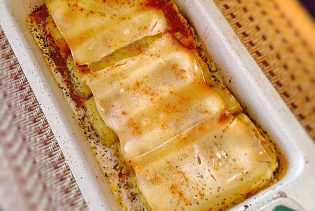 Творожные рулетики с зеленью и сыром