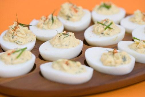 Фаршированные яйца с картофелем и ветчиной