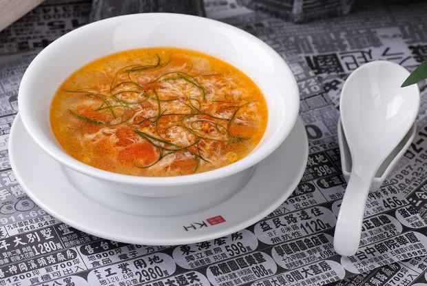 Домашний томатный суп со взбитым яйцом