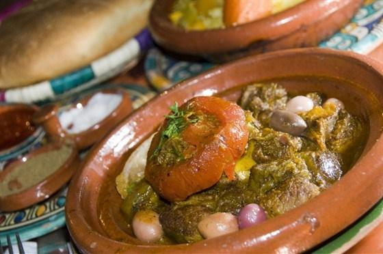 Тажин из баранины с инжиром, грецкими орехами, имбирем и корицей