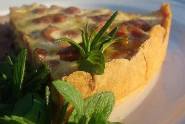 Пирог с зеленой фасолью и ветчиной