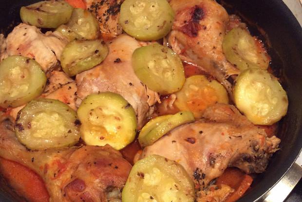 Рагу из курицы с цукини