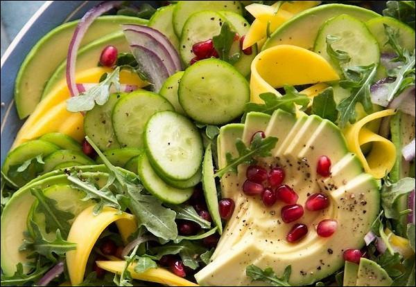 Тропический салат с авокадо
