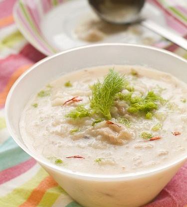 Тайский куриный суп с кокосовым молоком и лимонной травой