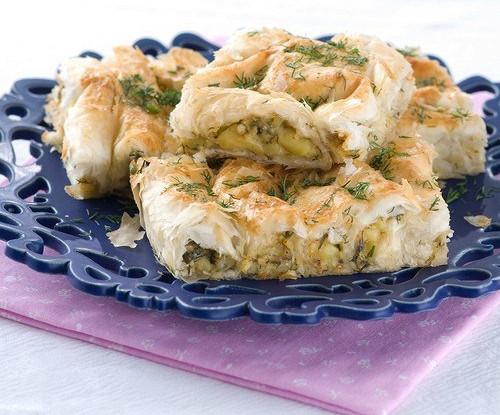 Греческий пирог с цукини, фетой и зеленью (Kolokithopita)