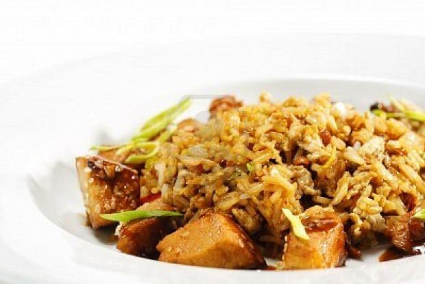 Жареный тайский рис с курицей