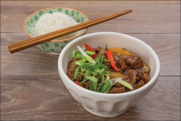 Баранина с овощами по-китайски на жасминовом рисе