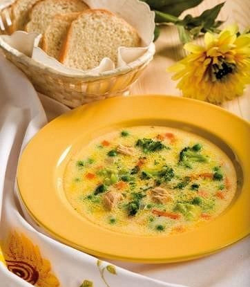 Сливочный суп с зеленым горошком