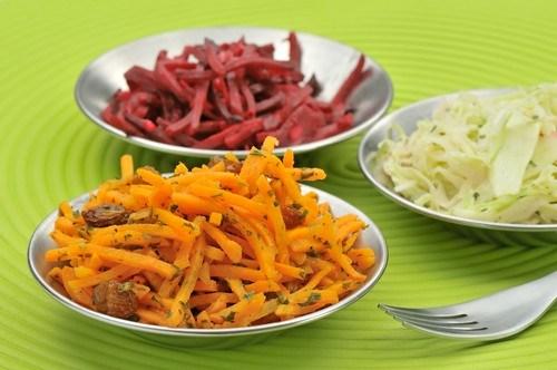 Морковный салат с изюмом и апельсиновым ароматом