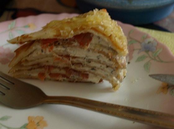 Блинный пирог с форелью