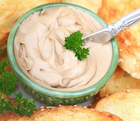 Грибной паштет с домашним сыром и эстрагоном