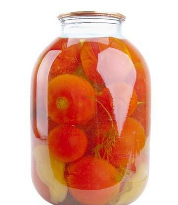 Маринованные помидоры со сладким перцем и луком