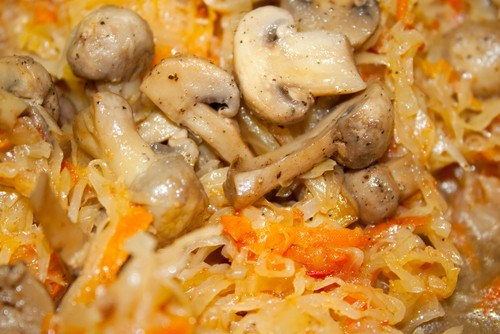 Солянка грибная с томатным пюре